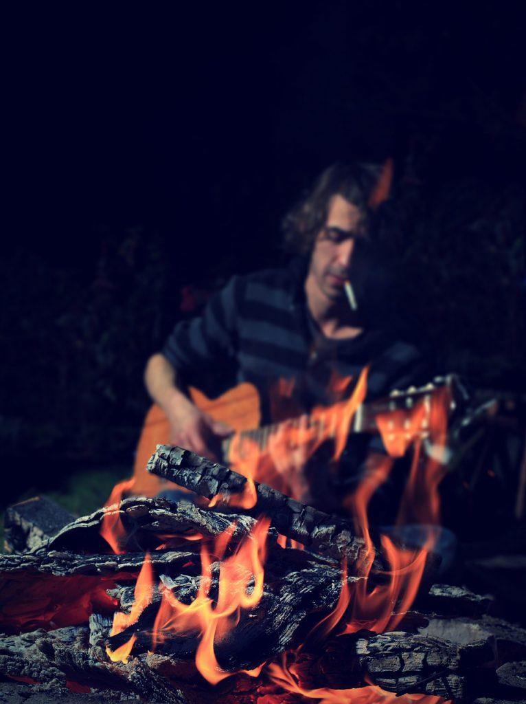 Camping Guitar