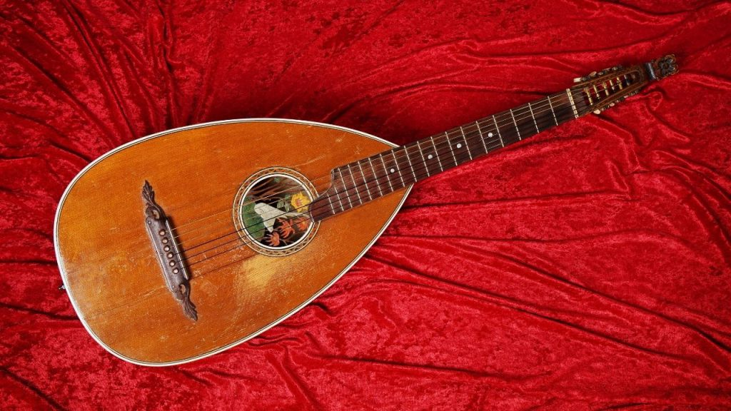 A picture of lute, which was a common characteristic of medieval music