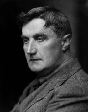 A photo of Ralph Vaughan Williams, a top composer of 205h century.